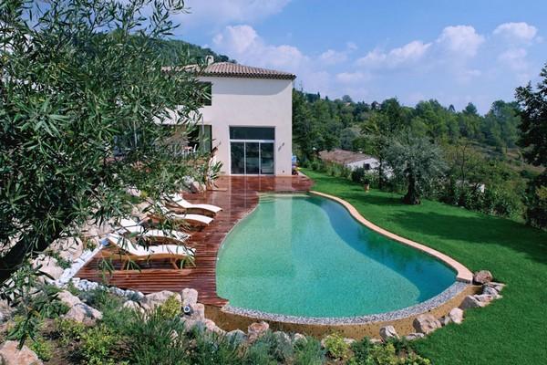 piscine à fond plat